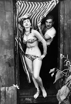 Bettie Page in aphoto shootfor Whisper Magazine c. 1952S