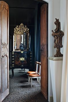 French Entry and Hall in Toulouse, FR by Suduca & Mérillou