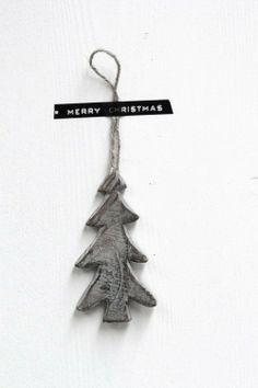 black and white Christmas inspiration Christmas Feeling, Nordic Christmas, Noel Christmas, Simple Christmas, Winter Christmas, Christmas Crafts, Christmas Ornaments, Clay Ornaments, Xmas Holidays