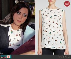 Aprils bug and butterfly print top on Parks and Recreation.  Outfit Details: http://wornontv.net/45549/ #ParksandRec