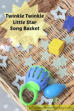 A fun and easy to set up song basket to go along with Twinkle Twinkle Little Star, perfect for toddlers and young children. Rhyming Activities, Sensory Activities Toddlers, Infant Activities, Sensory Bins, Baby Songs, Kids Songs, Toddler Play, Baby Play, Infant Toddler