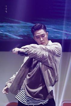 Netizens think Eun Ji Won is a vampire Journey To The West, New Journey, Yg Artist, Eun Ji, Korean Men, Real Man, K Idols, Year Old, Gorgeous Men