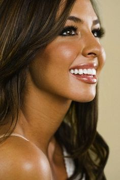 Beach Wedding Makeup For Olive Skin : 1000+ images about Sun kiss glowing skin on Pinterest ...