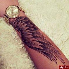 Tatoo Tatouage Idée Idea Drawn Dessin Modèle Mantra Elfique Dos Colonne vertebrale oiseau bras aile plume