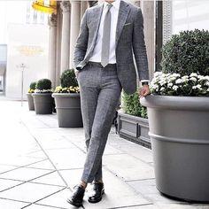 What outfit are you wearing for your start to the week.. something classic? Comment below ----------------------------------------------- @classydapper #dressy#mensweardaily#confidence#pocketsquare#fashionformen#monkstraps#suitup#londonfashion#highclassfashions#italianstyle#highfashion#ootdmen#luxuryfashion#dapperfam#realmen#bespoke#fashionstatement#dresswell#mensfashionblog#menstyleguide#gq#gqstyle#malefashion#mnswr#gentlemen#alexandercainheuk#rayyounis#italiandesign