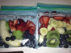 SHRED Diet Smoothie 4 servings: 1 cup strawberries cup blueberries 1 kiwi 1 banana 1 cup ice cubes 1 container peach yogurt cup orange juice not from concentrate Smoothie Diet, Healthy Smoothies, Healthy Drinks, Healthy Cooking, Smoothie Recipes, Healthy Snacks, Healthy Recipes, Healthy Eats, Power Smoothie