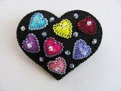 Felt Heart Pin - Beedeebabee