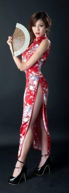 Pretty Asian Girl, Beautiful Asian Girls, Cheongsam, Traditional Dresses, Asian Woman, Girl Fashion, Formal Dresses, Lady, Chinese