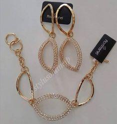 Conjunto folheado a ouro 18k composto por cristais Sintéticos Rommanel (680,00) Encomendas via direct #brinco #alianças #earcuff… Stylus, Piercing, Cool Designs, Personalized Items, Beautiful, Jewelry, Bracelets, Ear Rings, Gold Leaf