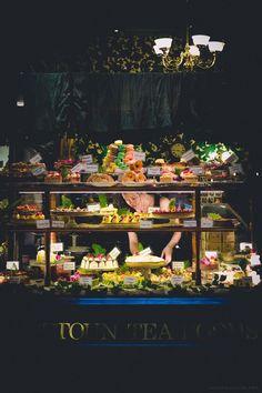 Cakes on Display : Hopetoun Tearooms