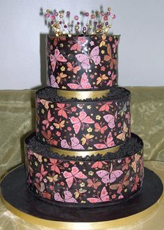 a different take on the butterfly wedding cake
