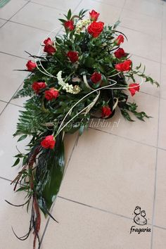 Grave Decorations, Christmas Wreaths, Xmas, Sympathy Flowers, Endless Love, Funeral Flowers, Black Flowers, Arte Floral, Flower Boxes