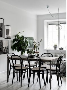 my scandinavian home: Small space inspiration from a Swedish home Room Interior Design, Dining Room Design, Dining Area, Interior And Exterior, Dining Table, Dining Rooms, Grey Hardwood Floors, Living Room Decor, Living Spaces