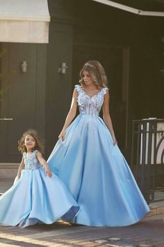 Cheap mother and daughter dress, Buy Quality vestidos mae directly from China mother and Suppliers: Said Mhamad Mother and Daughter Dresses 2017 New Blue Vintage V Neck Sleeveless Satin A Line Vestido Mae Da Novia Evening Gowns Toddler Pageant Dresses, Beauty Pageant Dresses, V Neck Prom Dresses, Blue Wedding Dresses, Dress Wedding, Dress Prom, Dress Long, Bridal Dresses, Mother Daughter Dresses Matching