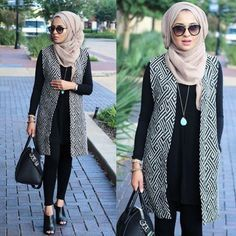 Just a sister who is sharing hijab fashion, combination of clothes and (wedding) dresses. Also posting hijab tutorials. Hijab styles from different countries and cultures. Take a look Hijab Casual, Hijab Outfit, Hijab Chic, Women's Casual, Hijab Fashion 2016, Street Hijab Fashion, Modest Fashion, Geek Fashion, Fashion Dresses