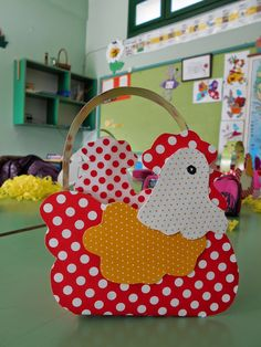 Τα πρωτάκια 1: Πασχαλινά καλάθια(πασχαλίτσες,κότες,λαγοί,αρνάκια) Crafts To Sell, Diy And Crafts, About Easter, Diy Art Projects, Easter Baskets, Easter Crafts, Spring, Handmade, Things To Sell