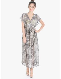 Shop it here: http://www.moddeals.com/rp/225517 Shifting Sides Printed Chiffon Dress White
