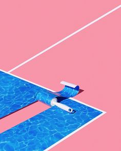 The Taable. Kitsch pool imitating paper roll on a very visual pink background.