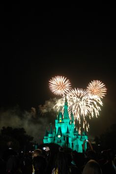 Found!!  Hidden Mickey fireworks!! During Wishes Nighttime Spectacular @ Magic Kingdom, FL