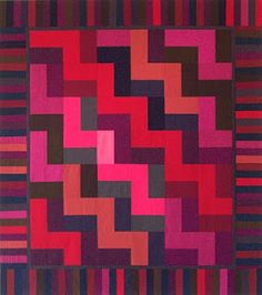 Amish style Stairstep quilt....striking!