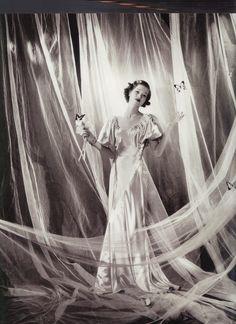1934 - Vionnet dress by Cecil Beaton