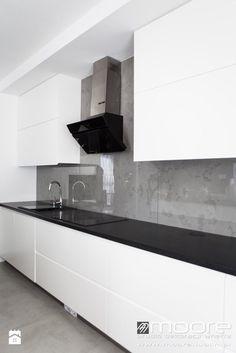 Beton architektoniczny w kuchni - zdjęcie od Studio Dekoracji Wnętrz MOORE Bathroom Lighting, Bathtub, Interior Design, Mirror, House Styles, Modern, Kitchen, Furniture, Home Decor