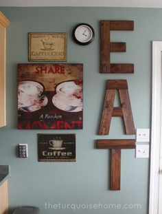DIY Eat Sign from Pallets IDK what everyones obsession is with pallets. Could easily be made from scrap wood as well. 😉 DIY Eat Sign from Pallets IDK what everyones… Pallet Ideas, Pallet Projects, Home Projects, Wooden Projects, Wooden Crafts, Wallpaper Fofos, Eat Sign, Kitchen Redo, Kitchen Walls