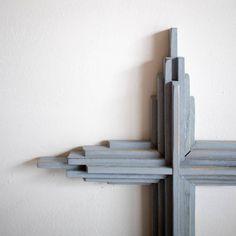 Farmhouse Wooden Cross Wooden Crosses, Crosses Decor, Wall Crosses, Reclaimed Wood Bookcase, Painting Shutters, Rustic Cross, Wedding Cross, Star Diy, Thing 1