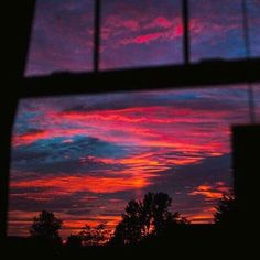 search amidstchaos for more pins like this Pretty Sky, Beautiful Sunset, Sunset Wallpaper, Wallpaper Backgrounds, Wallpaper Desktop, Girl Wallpaper, Wallpaper Quotes, Look At The Sky, Sky Aesthetic