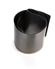 """Brunella Alfinito Contemporary Jewels -  bracelet """"punti di vista"""" - iron- 2013"""