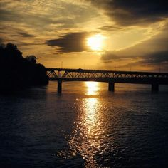 Sunset Over Tennessee River at Florence, photographer credit Ally Pridmore.