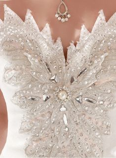 wedding dress details love the necklace Perfect Wedding, Dream Wedding, Wedding Day, Bridal Gowns, Wedding Gowns, Queen Wedding Dress, Frozen Wedding Dress, Snow Queen Dress, Dresses Elegant