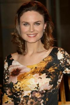 """Emily Deschanel ✾ attends the 100th Episode celebration of the television show """"Bones"""" at Fox Studios on January 26, 2010 in Los Angeles, California. - Fox's """"Bones"""" 100th Episode Celebration"""