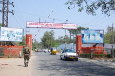 Army blocks #Trimulgherry-#Marredpally road in #Secunderabad for civilians http://www.thehansindia.com/posts/index/2014-02-25/Army-blocks-Trimulgherry-Marredpally-road-in-Secunderabad-for-civilians-87315 #AOC
