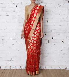 Raw Mango Red Kaushalya Handwoven Chanderi Pure Silk Saree Pinned by Sujayita Indian Silk Sarees, Ethnic Sarees, Pure Silk Sarees, Indian Attire, Indian Wear, Indian Outfits, Indian Look, Indian Style, Raw Mango Sarees