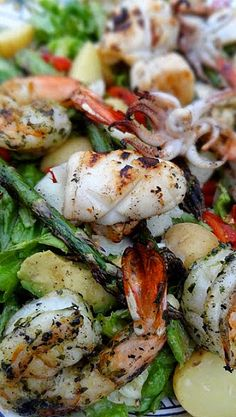Grilled Seafood Salad with Avocado and Asparagus - If someone with a grill wants.Grilled Seafood Salad with Avocado and Asparagus - If someone with a grill wants to make this for me, I would be more than happy to eat it! Fish Recipes, Seafood Recipes, Salad Recipes, Cooking Recipes, Healthy Recipes, Grilled Seafood, Seafood Salad, Shrimp Salad, Fish Dishes