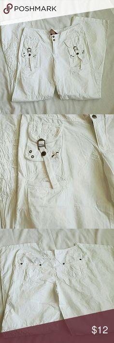Ceres Woman's Cotton Pants size Medium Ceres Woman's Cotton Pants size Medium with 32 inch inseam. Great for summer fun. Ceres Pants