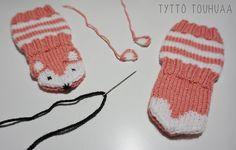 Tyttö touhuaa: Kettusukat ja -tumput vauvalle Knitting Patterns Free, Free Knitting, Marimekko, Gloves, Socks, Winter, Baby, Fashion, Winter Time