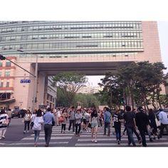 Hongik University (often shortened to Hongdae) is a popular arts university in Seoul, referenced on page 284.