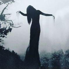 Dark and goth witch queen is goals. ♥ @goddessbonbon