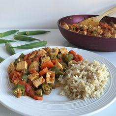 Cari de tofu et okras Saveur, Tofu, Grains, Posts, Blog, Nutrition Month, Gumbo, Cholesterol Levels, Main Course Dishes