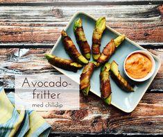 Avocado-fritter er en fuldstændig mundvandsfremkaldende opfindelse, og de skal prøves! Serveret med den lækre chili-dip udgør de nærmest et helt måltid.