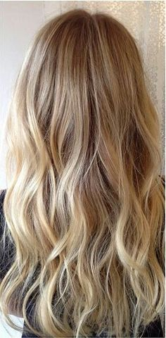 .This hair colour and style <3