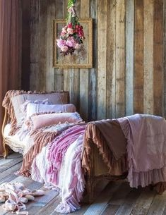 Shabby chic inspired western bedroom. Beautiful use of the 2014 Pantone Color of the Year, Radiant Orchid. | Stylish Western Home Decorating...