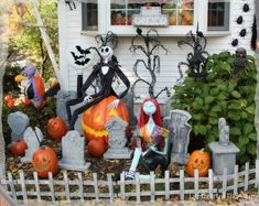 Best Halloween Yard Displays Halloween Yard Decorations Ideas That Anyone Can Use Best Halloween Yard Displays. One of the intrinsic aspects of Halloween is decorating the yard with Halloween yard … Halloween Prop, Halloween Yard Displays, Outside Halloween Decorations, Casa Halloween, Halloween Outside, Nightmare Before Christmas Decorations, Nightmare Before Christmas Halloween, Outdoor Halloween, Holidays Halloween