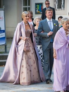 Queen Maxima Photos Photos - King Willem-Alexander and Queen Maxima of The Netherlands attend Juan Zorreguieta and Andrea Wolf's wedding at palais Liechtenstein on June 2014 in Vienna, Austria. - Juan Zorreguieta And Andrea Wolf Get Married in Vienna Hollywood Fashion, Royal Fashion, Queen Of Netherlands, Queen Maxima, Royal Weddings, King Queen, Her Style, Evening Gowns, Beautiful Dresses