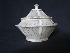Antiguo cuenco cantonés de marfil con tapa - China - aprox. 1900