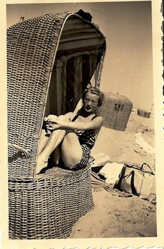 Sitting in a wicker chair.At the beach . Vintage Beach Photos, Vintage Swim, Vintage Pictures, Vintage Photographs, Old Pictures, Old Photos, Woodstock, Bathing Beauties, Beach Bum