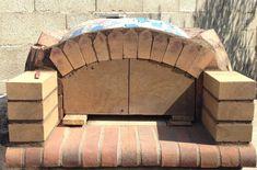 Construction du Four à pain/pizza - Mon four à pain en briques réfractaires Churros, Fire Pit Heater, Pain Pizza, Four A Pizza, Pizza Oven Outdoor, Construction, Bbq, Backyard, Outdoor Kitchens