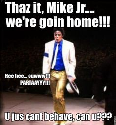 can& help himself, steals the show. Michael Jackson Funny, Mike Jackson, Jackson Family, Head Memes, Memes Funny Faces, King Of Music, The Jacksons, Hard To Love, Hilarious
